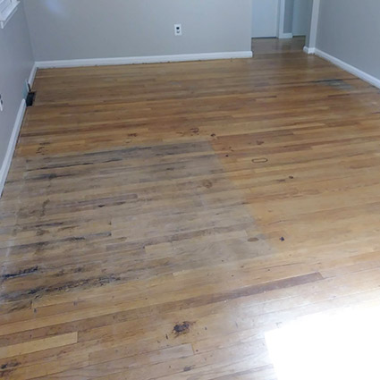 dining room floor before refinishing